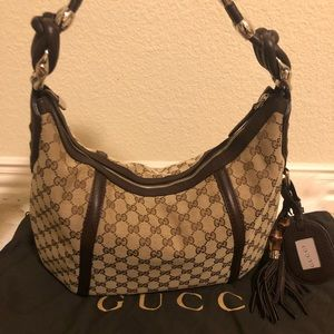 Authentic Gucci leather and canvas bag 🎀